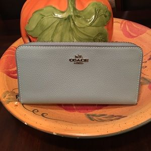 Coach 💕 Leather Wallet